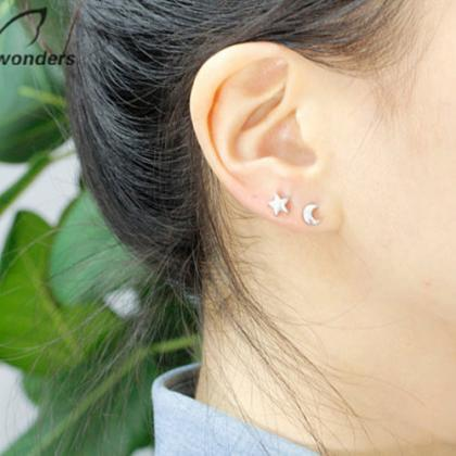 New Moon And Star Stud Earrings In