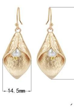 New Calla Lily Earrings in matte gold, Swarovski Cream Ivory Pearls